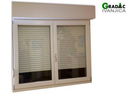 Dvokrilni drveni prozor, eurofalc 68, sa aluminijumskom roletom, stolarija Gradac